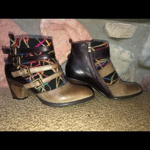 L'ARTISTE spring step heeled boots!